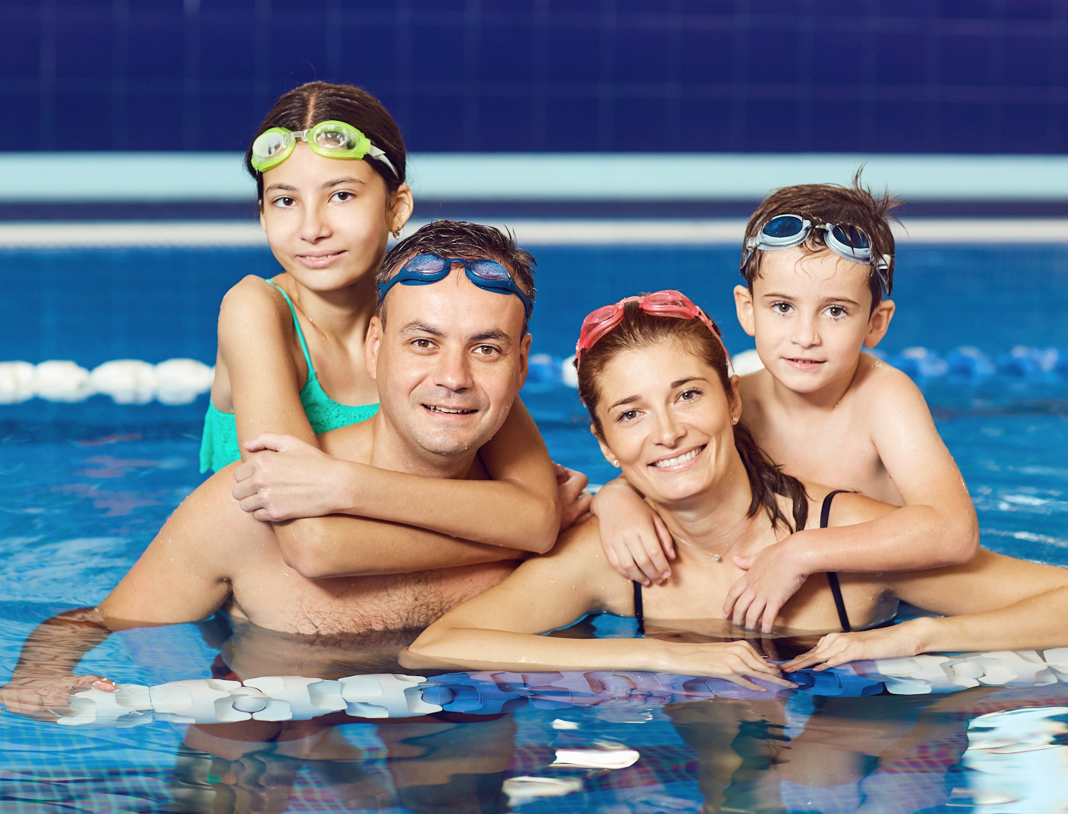 Family Swim Sessions and Splash Back swimming lessons